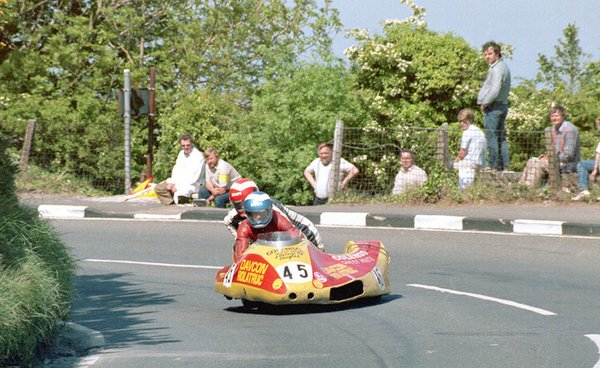 1985 Sidecar race A - Waterworks - Keith Christian in the chair