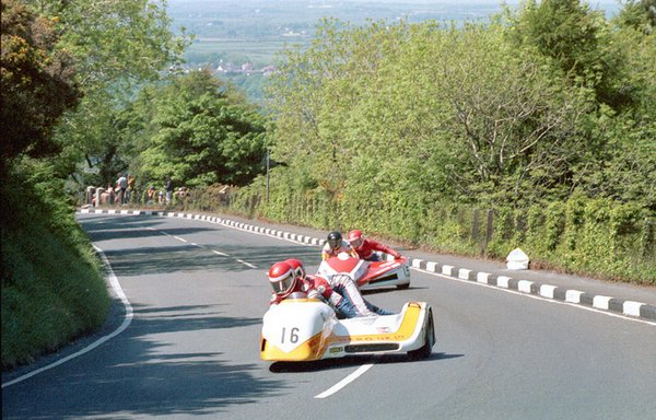 1985 Sidecar race A - Waterworks - Nick Cutmore in the chair - Mike Burcombe leads
