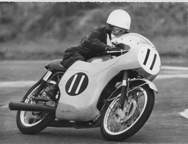 Gary at speed on the 125cc Honda