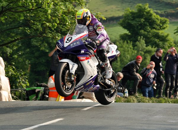 Ian Lougher during practice for the 2008 Isle of Man TT