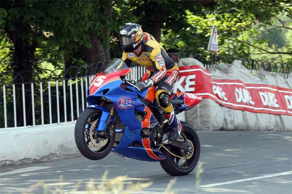 Superstock TT 2005 - Ballaugh Bridge