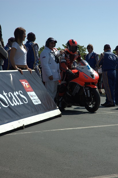Ryan Farquhar, preparing to lead away the Supersport field at the Centenary TT