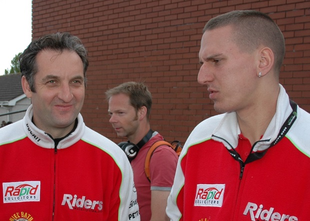 Michael Rutter (left) chats with Martin Jessopp during the 2011 Isle of Man TT