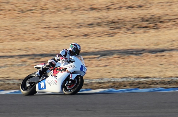 Isle of Man TT legend John McGuinness tests the Mugen Shinden at Motegi