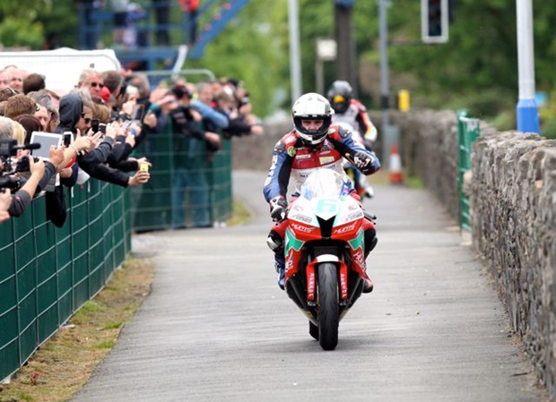 Michael Dunlop on the return road
