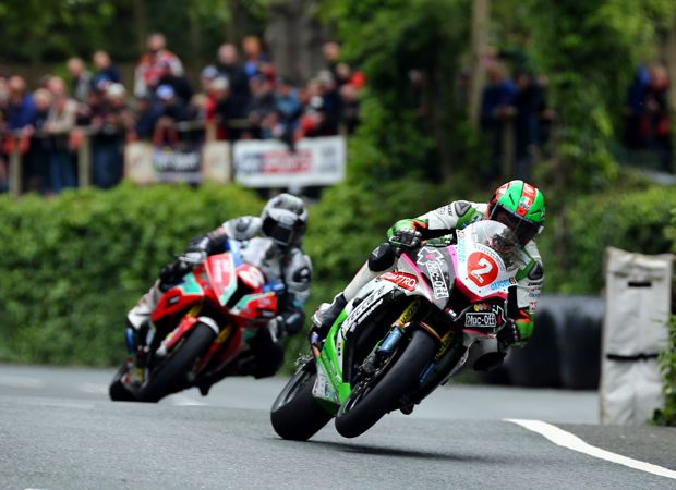 Hillier leads Dunlop at Union Mills 2015 Superstock Race. Credit Tim Keeton Impact Images