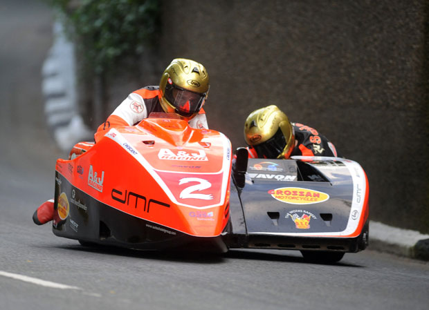 Dan Sayle in the chair for Dave Molyneux at TT 2009
