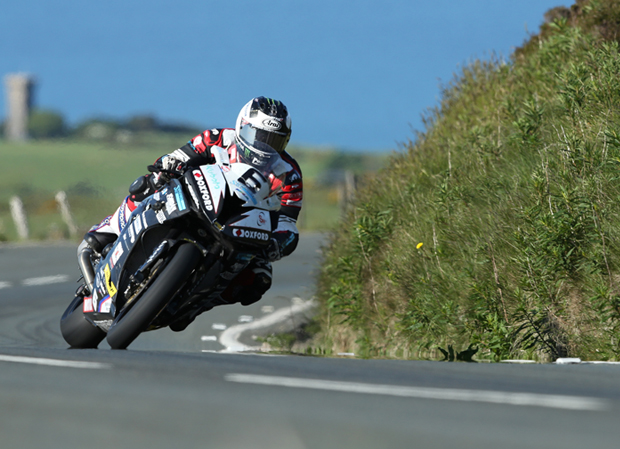 Michael Dunlop topped qualifying for the RST Superbike TT Race with a lap of 132.754mph