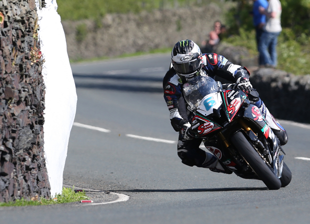 Michael Dunlop, Supersport TT Race 1 - Dave Kneen