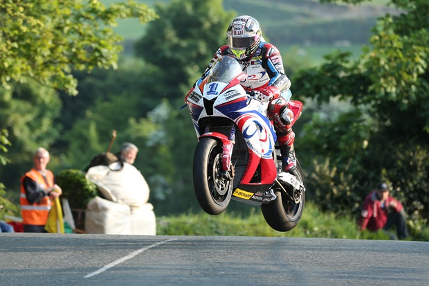 John McGuinness at Ballaugh Bridge on the Jackson Racing Honda CBR600. Credit: Dave Kneen / Pacemaker Press