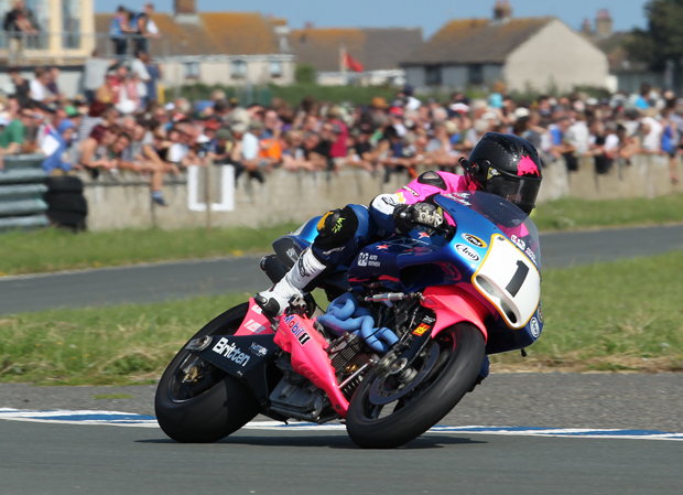 Bruce Anstey on the Britten V1000 at Jurby