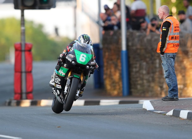 Michael Dunlop leads the qualifying for the Bennetts Lightweight TT Race