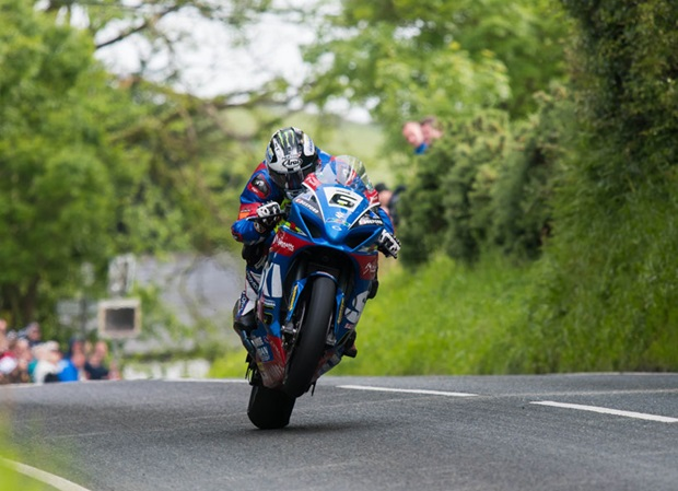 Michael Dunlop at Barregarrow on the Bennett's Suzuki at TT 2017. In 2018 he'll be riding a BMW for Tyco