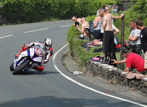 Peter Hickman on his way to winning the RL360º Superstock TT Race. Dave Kneen