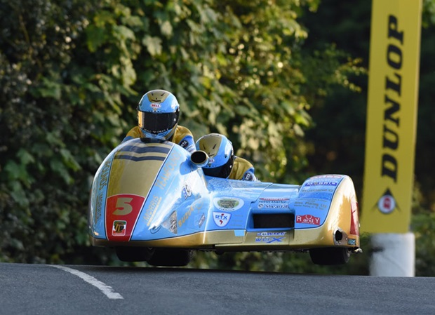 Team Founds clear Ballaugh Bridge in Tuesday Night qualifying. Photo RP Watkinson